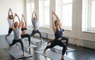 Jongeren doen Yoga