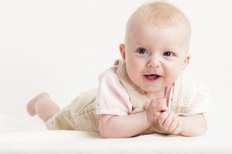 mijlpalen baby eerste jaar