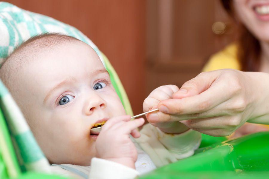 baby eerste hapjes vaste voeding