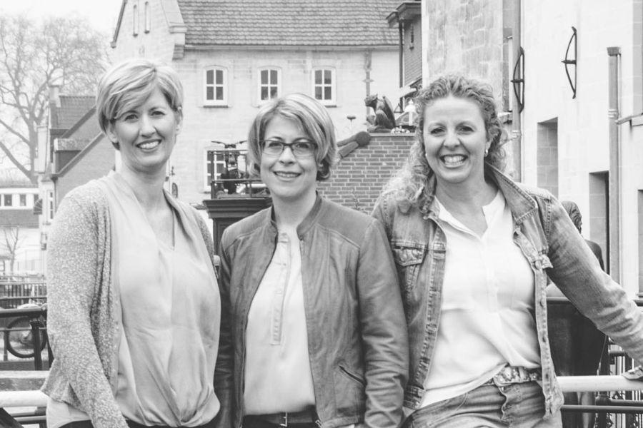 Julienne Schoffelen, Chantal Triebels & Katja Mulder verloskundigenpraktijk Valkenburg aan de Geul